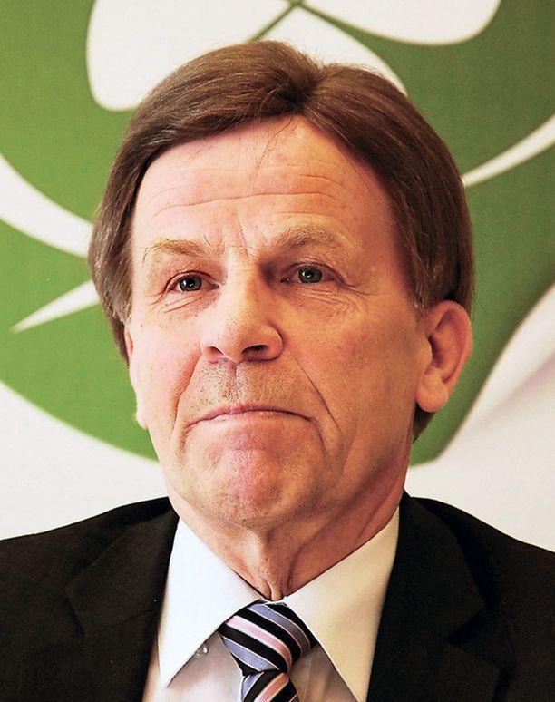 Kansanedustajien enemmistö on kallistumassa ministeri Mauri Pekkarisen esittämän ydinvoiman lisärakentamisen kannalle.
