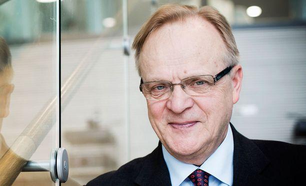 Lauri Ihalainen sanoo olevansa erittäin surullinen siitä, että kolmikantaisen päätöksentekomallin tulevaisuus on uhattuna.