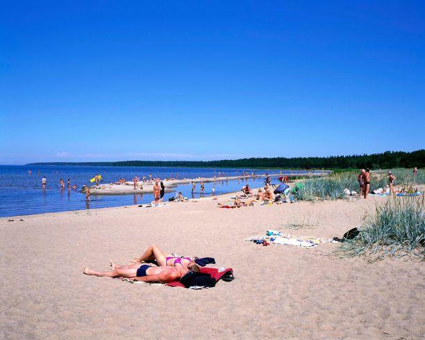 Lahemaan kansallispuistosta löytyy näin upea uimaranta.