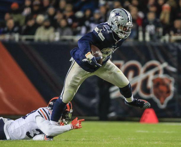 Dallas Cowboysia edustava Ezekiel Elliott on joutunut kiipeliin koiriensa käytöksen vuoksi.