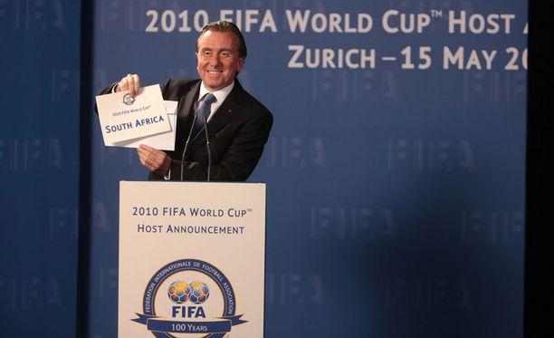 Tältä näyttää Tim Roth Sepp Blatterin roolissa. Näyn todisti Yhdysvaltain ensi-illassa vain kaksi maksavaa katsojaa.