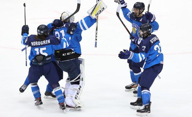 Suomen alle 18-vuotiaiden maajoukkue lennähti MM-finaaliin 2-0-voitolla Ruotsista.