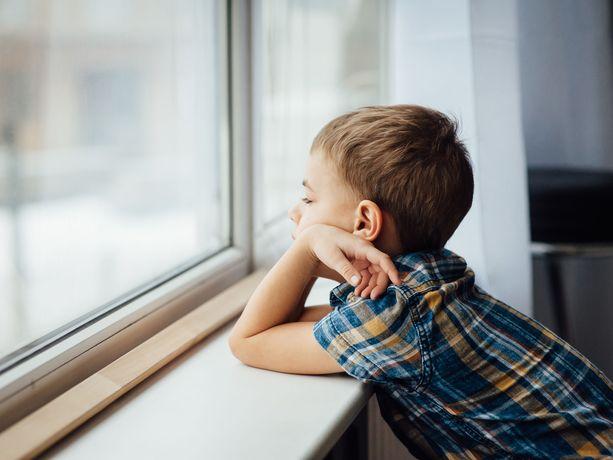 Lasten ja nuorten kokema yksinäisyys on säännöllisesti esiin nouseva teema Mannerheimin Lastensuojeluliiton lasten ja nuorten puhelimessa.