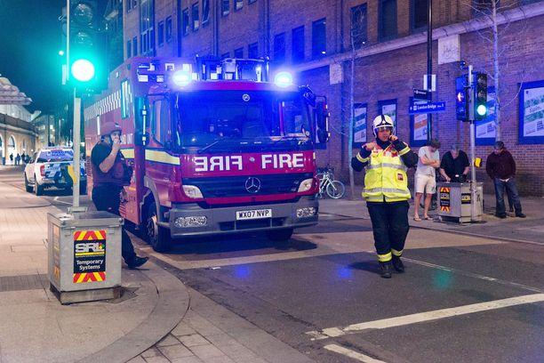 Lontoon terrori-isku tapahtui yöllä vilkkaalla London Bridgellä.