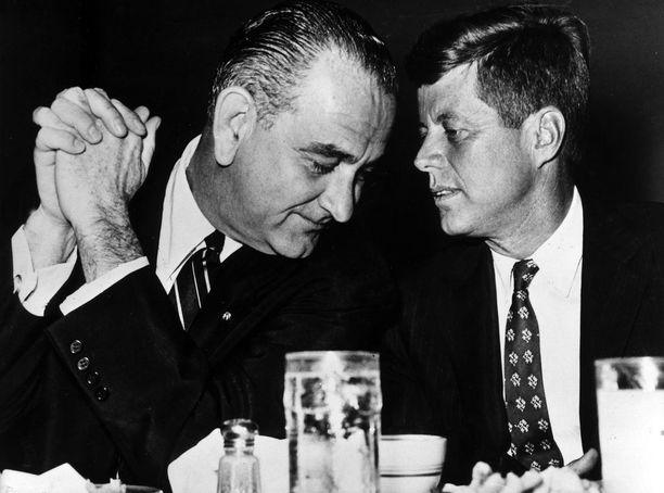 Lyndon B. Johnson piti John F. Kennedyn salamurhaa ulkovallan kostona vallankaappauksesta Vietnamissa.