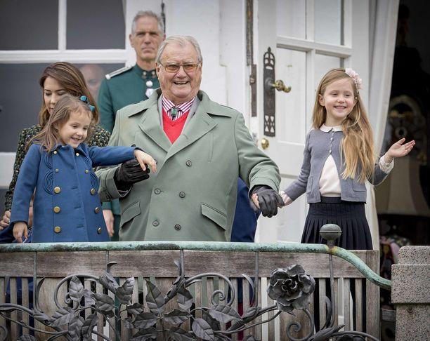 Prinssi Henrik oli läheinen sekä prinssi Frederikin että prinssi Joachimin lasten kanssa.