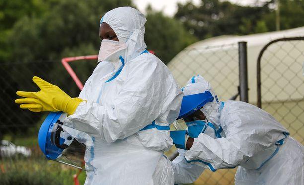 Ebola-epidemiasta kärsinyt Libaria on ryhtynyt pikaisiin toimiin mystisen sairauden leviämisen estämiseksi. Kuva vuodelta 2015.