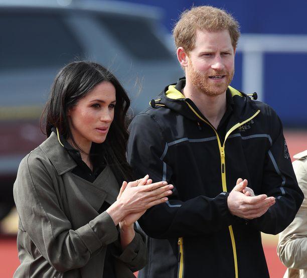 Meghan ja Harry menettävät kuninkaalliset tittelinsä.
