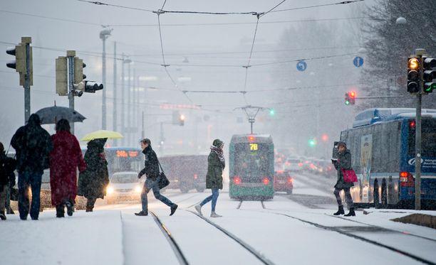 Keskiviikkona ensilumi sataa Etelä-Suomeen.