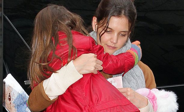 RadarOnlinen lähteen mukaan Tom Cruisesta eroava Katie Holmes sai avioerossa tyttärensä huoltajuuden.