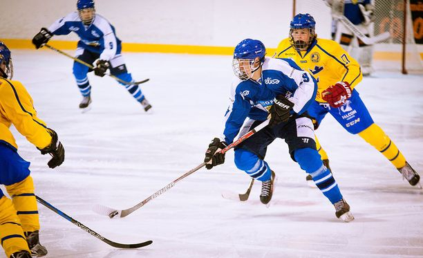 Suomen nuorisomaajoukkueeseen kuuluva Wiljami Myllylä on lupaava kiekkoilijanalku.