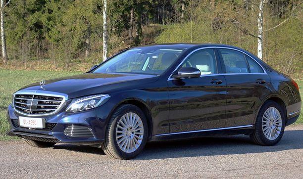 Mercedes C-sarja ponnahti yllättäen syyskuun listalla kymmenen kärkimallin joukkoon.