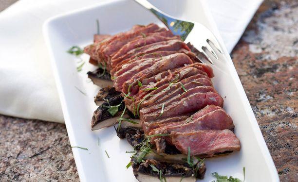 Lihaa syötiin viime vuonna hieman edellisvuotta vähemmän.
