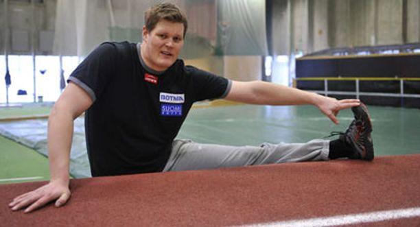 Olli-Pekka Karjalainen lähtee maaliskuun lopulla rapakon taakse harjoittelemaan.