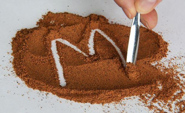 Muskottipähkinä on voimakas mauste.