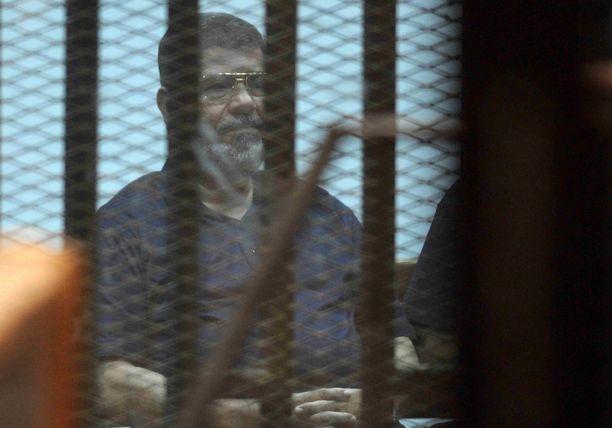 Egyptin entinen presidentti kuoli kesken oikeuden istunnon. Hän oli kuollessaan 67-vuotias.