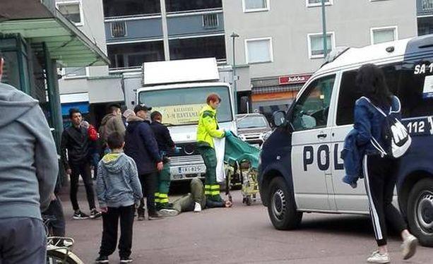 Nuori mies hakattiin sairaalakuntoon Porin keskustassa lauantai-iltana.