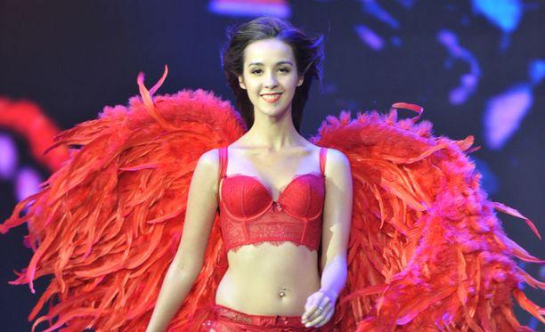 Victoria's Secret tunnetaan näyttävistä alusvaatteista.