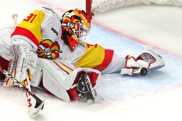 Jokerit odottaa tietoa KHL:n toimistolta. Kuvassa viime kauden maalivahti Antti Niemi.