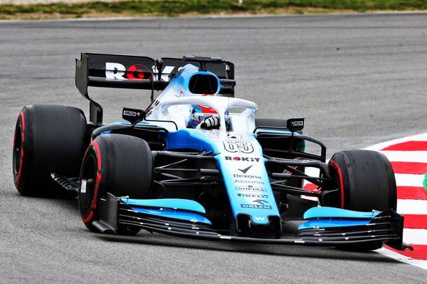 Williamsin FW42-auto saatiin testikuntoon pahasti myöhässä.
