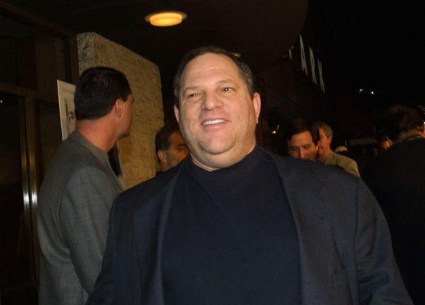 Harvey Weinstein on tuottanut esimerkiksi elokuvat Pulp Fiction, Rakastunut Shakespeare ja Kunniattomat paskiaiset.