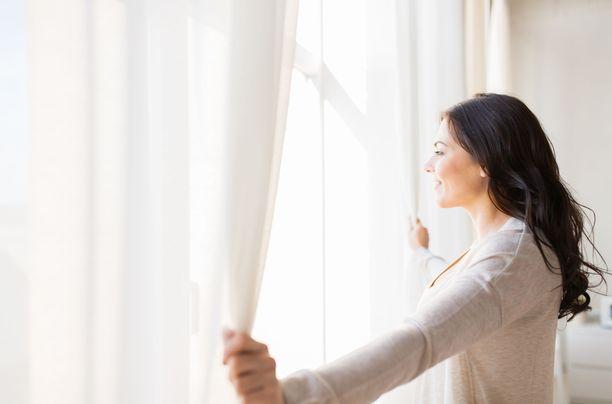 Aamuvirkit ovat muita tyytyväisempiä elämäänsä, ehdottaa tutkimus.