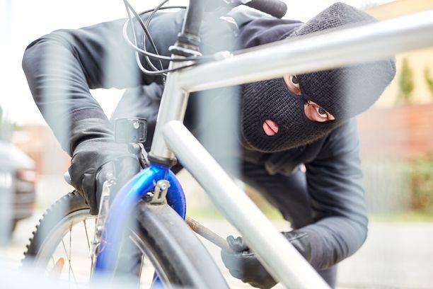 Polkupyörävarkauksien sesonki kestää huhtikuusta syyskuuhun, kertoo Sisä-Suomen poliisi. Kuvituskuva.