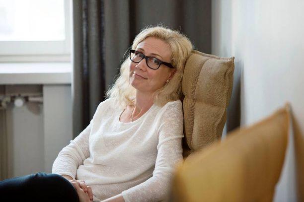 Länsi-Savon mukaan Anneli Auerin kirjatilaisuus Mikkelin pääkirjastolla perutaan, koska tilaisuuden turvallisuutta ei pystytä välttämättä takaamaan.