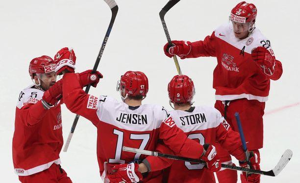 Suomelle tyrkytetään puolivälierävastustajaksi Tanskaa. Otteluparit ratkeavat lopullisesti illan otteluiden jälkeen.
