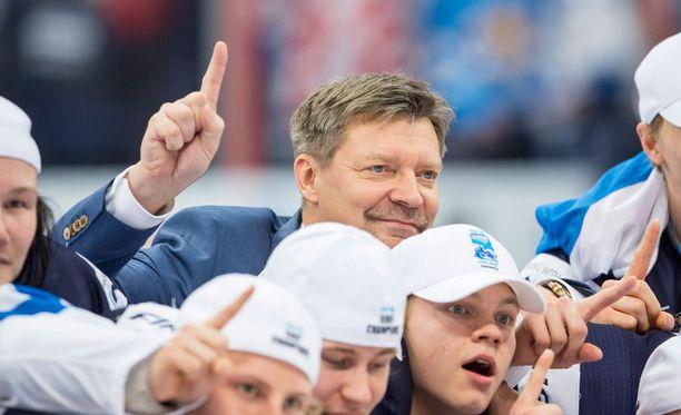 Mestariluotsi Jukka Jalosen opit kiinnostavat.