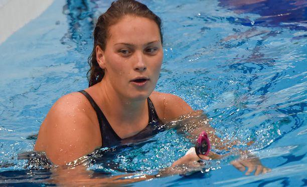 19-vuotias Mie Nielsen on yksi Tanskan suurista mitalitoivoista. Mien matka on 100 metrin selkäuinti, jossa hän on voittanut kaksi EM-kultaa ja MM-pronssin.