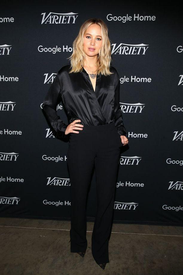 Jennifer Lawrence haaveilee pitävänsä taukoa Hollywoodista.