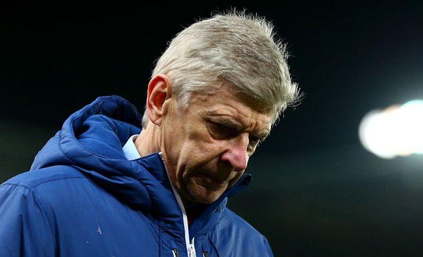 Arsene Wenger ei ole Arsenal-fanien suosiossa tällä hetkellä.