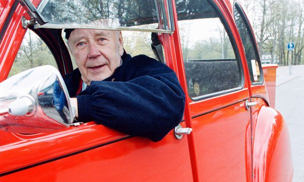 Liikennevalistaja Ensio Itkonen kuoli 84-vuotiaana.