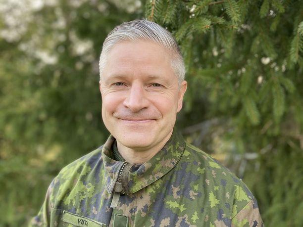 Upseeriliiton puheenjohtaja Ville Viita antoi eduskunnalle kovasanaisen lausunnon Puolustusvoimien rikostorjunnan rakenteellisista ongelmista.