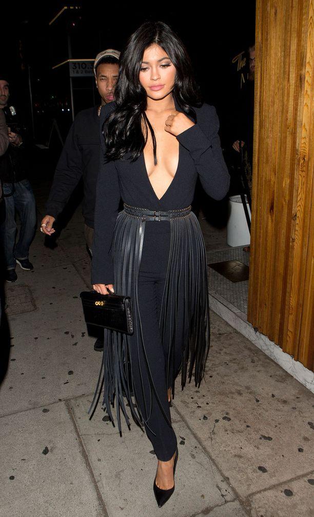Kylie Jenner toi näyttävä hapsuvyö.