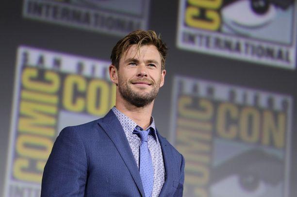 Chris Hemsworth tunnetaan roolistaan Thorina.