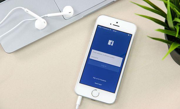 Facebook on kopioinut Snapchatilta monia ominaisuuksia omiin palveluihinsa.