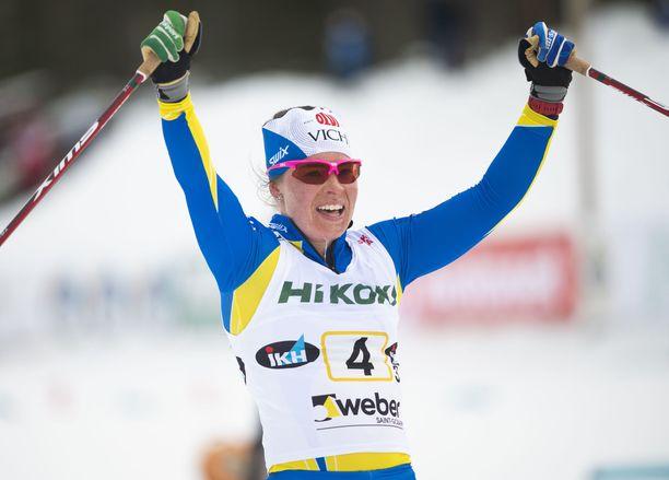 Krista Pärmäkoski hiihti huiman ankkuriosuuden.