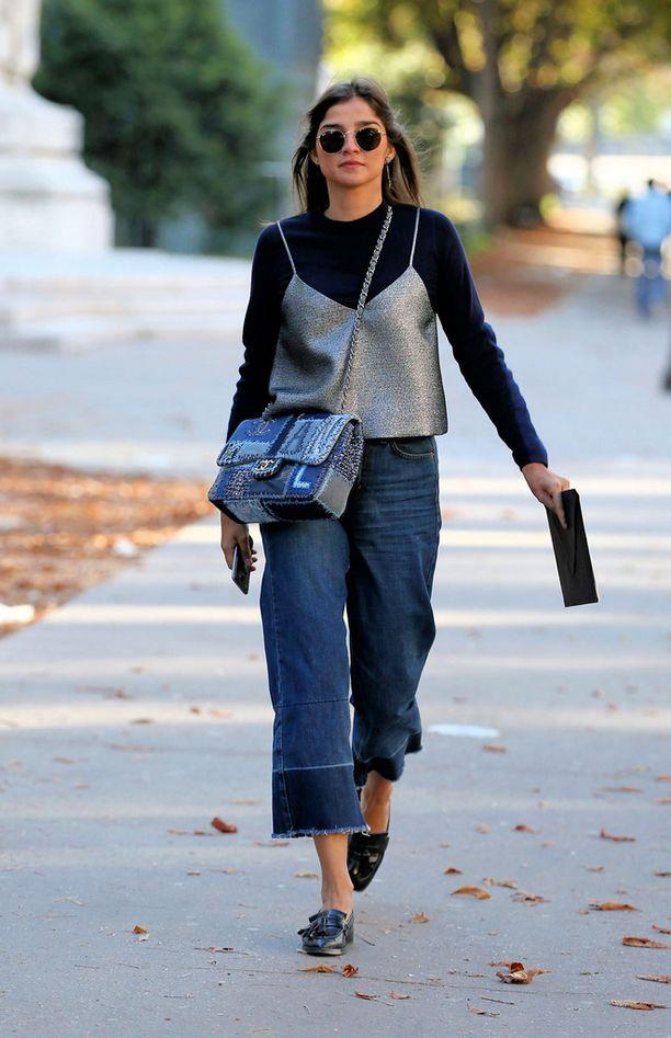 Juliana Salazar näyttää mallia, miten pukea vaatteet tyylikkäästi kerroksittain.