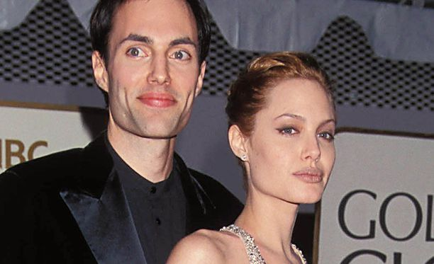 Angelina Jolie on edustanut punaisella matolla veljensä kanssa useaan otteeseen.
