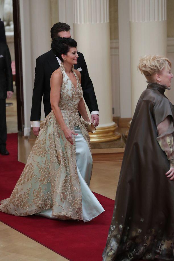 Oopperalaulaja Angelika Klasin puku oli näyttävä.