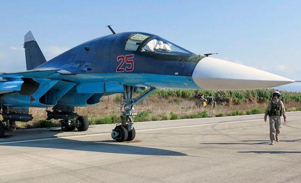 Venäläinen hävittäjä valmistautumassa ilmaiskuun Syyriassa lokakuun alussa.