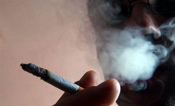 Laittomasta tupakasta voi saada jopa viisi vuotta linnaa.