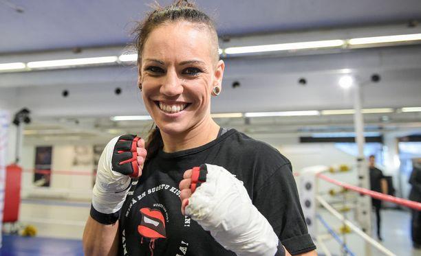 Eva Wahlström uskoo sparrikaverinsa voittoon välierässäkin.