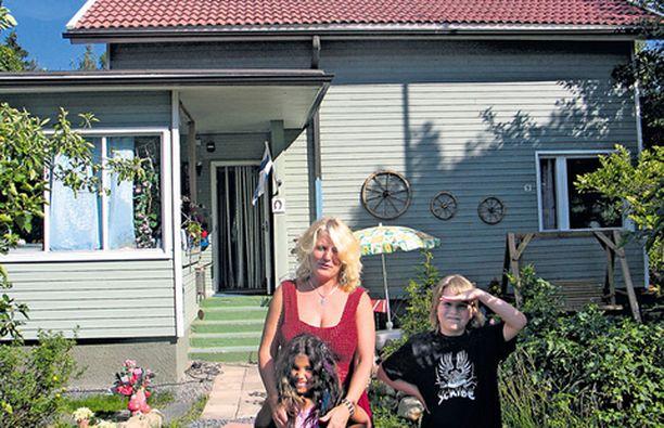 Mariannen, Angelican ja Kimin talo henkii ulospäin yhä vanhaa aikaa.