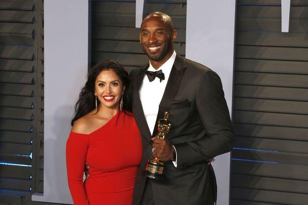 Kobe Bryantin leski Vanessa Bryant on haastanut viranomaiset oikeuteen.