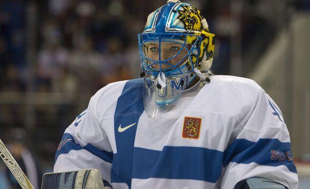 Noora Räty on The Hockey Newsin mukaan maailman neljänneksi paras naiskiekkoilija.