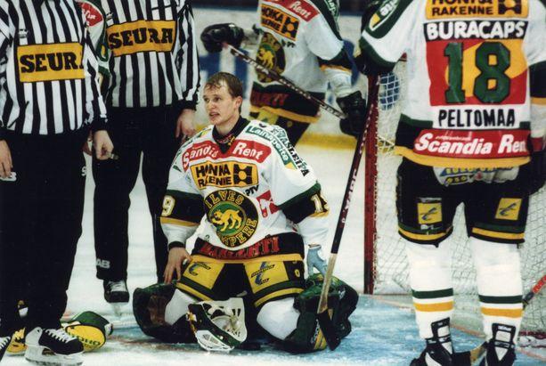 Mika Manninen pelasi Ilveksessä SM-liigaa vuosina 1992-95.