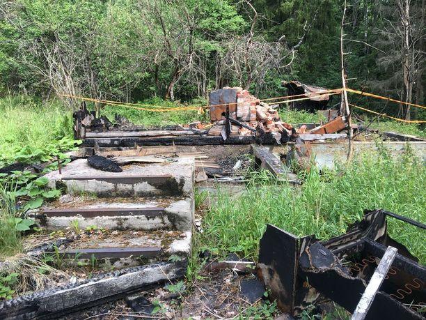 Laitmanintien vanhin talo paloi vuonna 2016 ilmeisesti nuorten tulitikkuleikkien sytyttämänä.